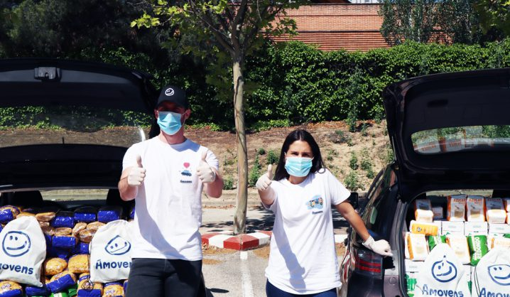 Amovens entrega más de 400kg de comida a la Asociación de vecinos de Aluche